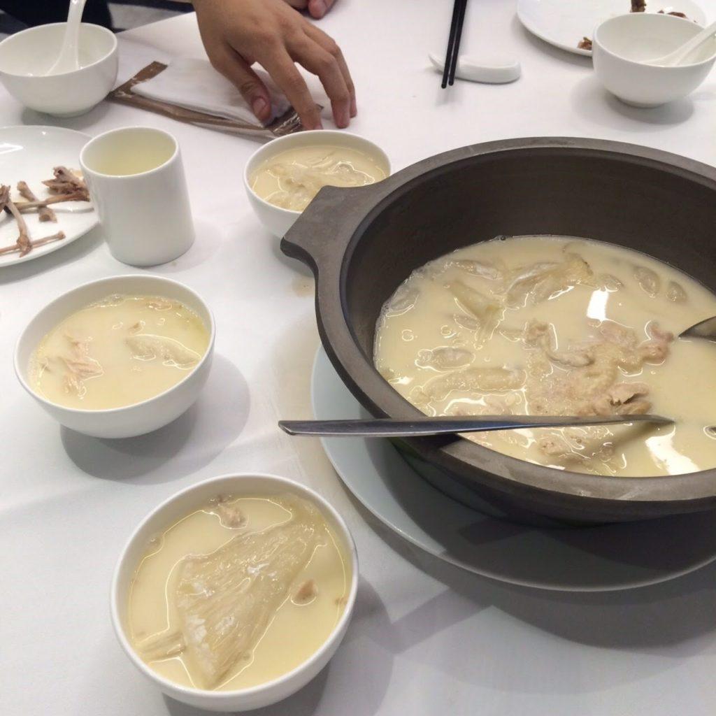 広東料理フカヒレスープ