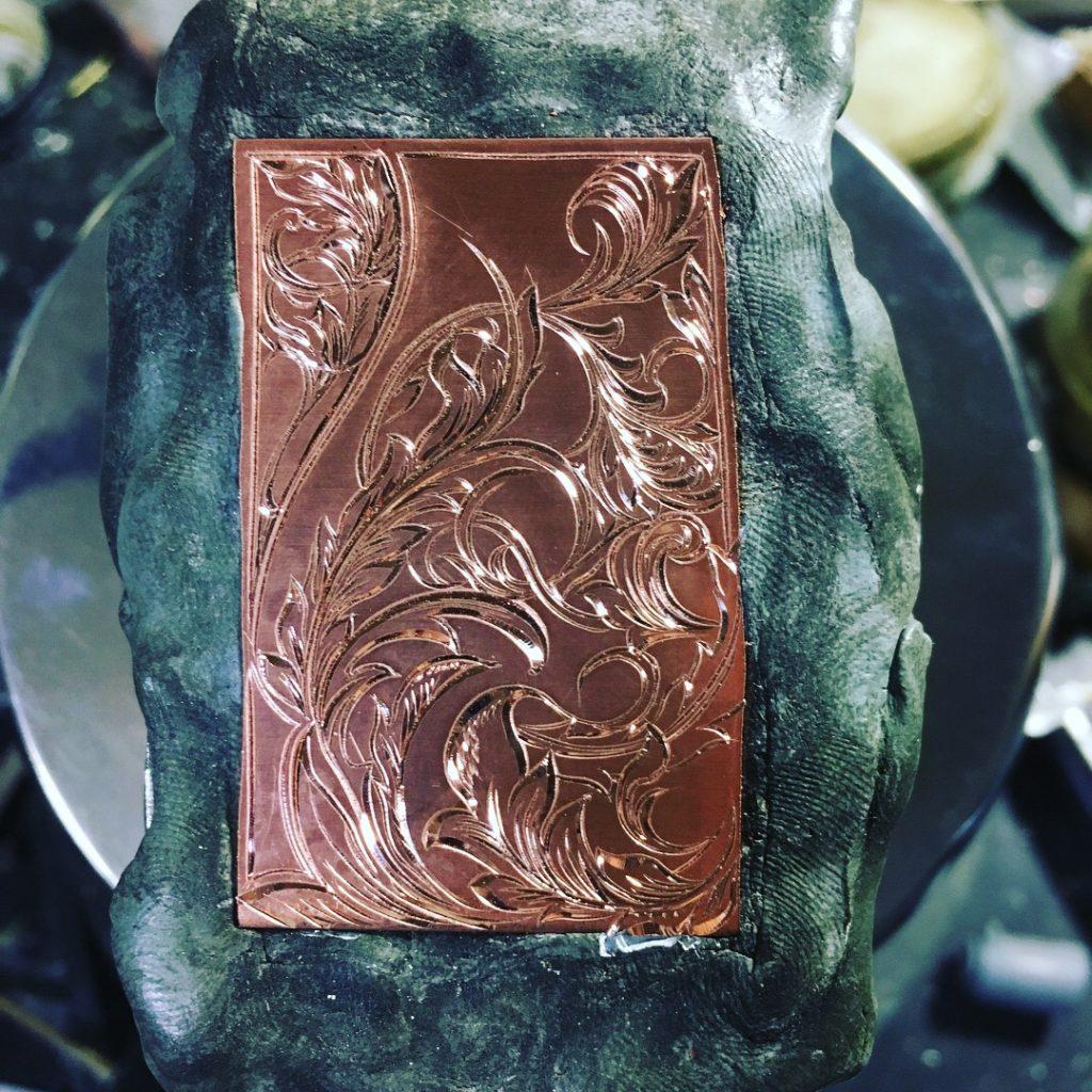 銅板スクロール彫金