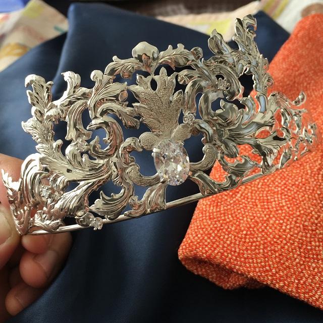 結婚式と彫金師のティアラ制作。