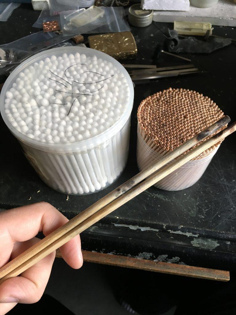 固定と除去に使う小物