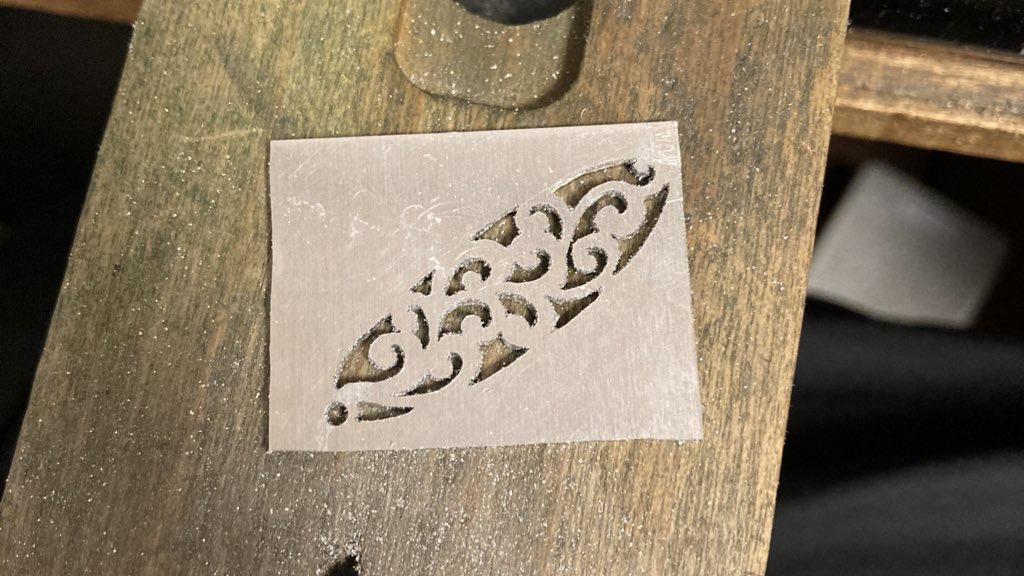 下書きの消したアルミ板