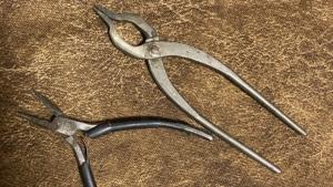 ネックレスの修理に使うペンチ(ヤットコ)